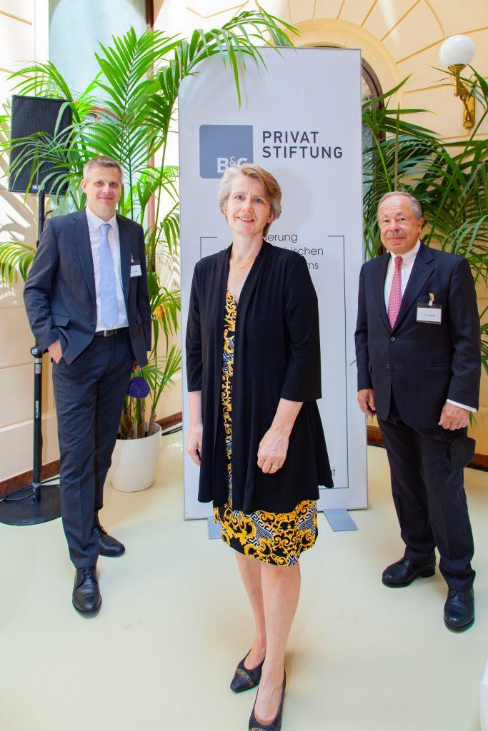 9. Unternehmensrechtstag: Prof. Ulrich Torggler, Prof. Susanne Kalss; B&C Stiftungsvorstandsvorsitzender Dr. Erich Hampel